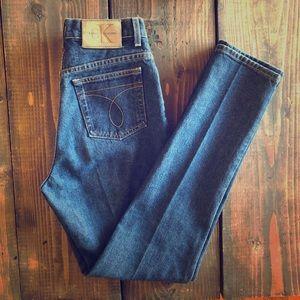 Perfect Calvin Klein mom jeans.